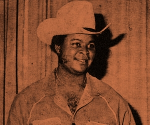 Who is William Onyeabor? Alla domanda può rispondere Sinkane